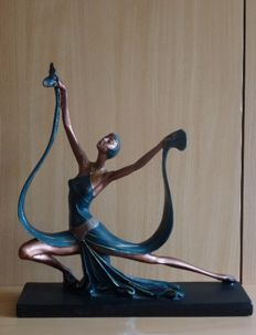 Romantic Art Deco style sculpture of a dancer