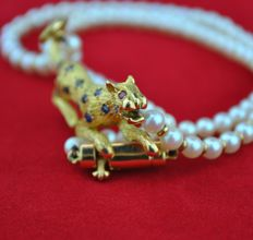 Sapphire & Ruby Leopard/Jungle Cat set on 18k Yellow gold & Pearl Necklace - Length 39 cm