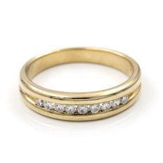 18 kt yellow gold – Ring – Brilliant cut diamonds totalling 0.40 ct – Ring interior diameter: 17.90 mm