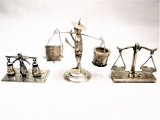 Silver miniatures: Water Carrier / Water Bearer / Scale