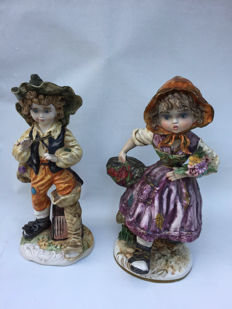 Capodimonte, 2 large figurines