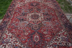 Antique hand-knotted Persian Heriz carpet - 400 x 300 cm