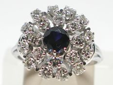 Vintage diamond & sapphire cluster ring total: 2,00ct.