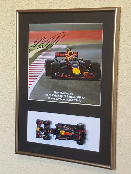 Max Verstappen - hand-signed framed photo - incl. 1:43 Red Bull RB 13 2017 + COA