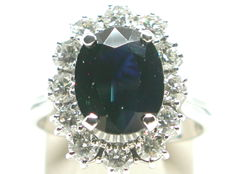 Vintage diamond & sapphire lady diana ring total: 6,80ct.