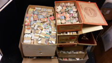 The Netherlands – Large batch of bundles, between 250,000 and 300,00 stamps
