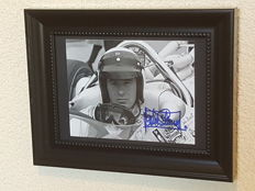 Jackie Stewart - 3x world champion Formula 1 - original autographed old framed Monaco photo + COA.