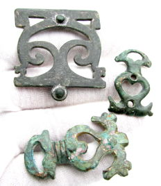 Ancient Roman bronze military / legionary belt buckle and belt fittings set - 32 - 45 mm / 30.6 grams (3)