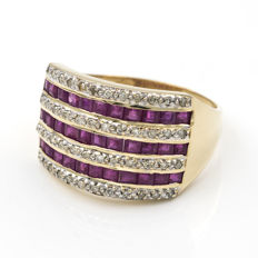 Yellow gold ring with 48 diamonds and 33 rubies.  Size 22 (Spain).