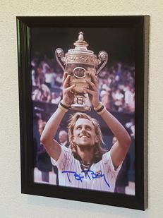 Bjorn Borg - Tennis legend - large hand autographed old framed Wimbledon photo + COA.