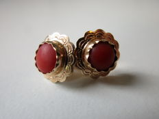 14 kt rose gold flower earrings with red coral - 1930s