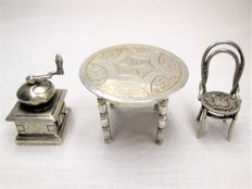 Silver miniatures: Table - Chair - Coffee Grinder