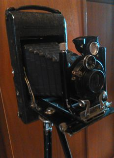 Contessa-Nettel AG folding plate camera 9x12 with Nettar Anastigmat 1:6,8 F=13,5cm lens N.257901. Germany 1919.