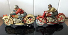 Technofix, US Zone Germany - Length 15 cm - lot with 2 tin motorcycles GE-255 and GE-258 with clockwork motor, 1950s