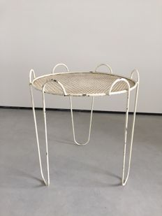 Unknown designer - modernistic designed mid century side table in perforated metal