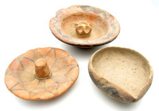 Lot of 3 Indus Valley Painted Terracotta - large plate = 122x40mm, small plate = 90x30mm and bowl = 87x35mm - Zoomorphic Motifs (3)