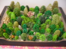 Scenery H0 -  A lot with 100 trees by, amongst others  Busch, Noch, Heki etc