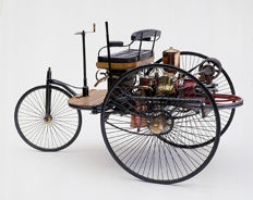 Franklin Mint - Scale1/8 - Mercedes Benz Patent Motor vehicle 1886 - With many 24-carat plated parts - very good condition