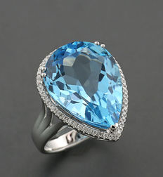 A high carat blue topaz diamond ring, 25.64 ct in total within 750 white gold -- No reserve --
