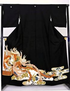 "Silk kimono model Tomosode ""Flying Bird with Flowers"" painting and embroidery – Japan – 1st half 20th century"