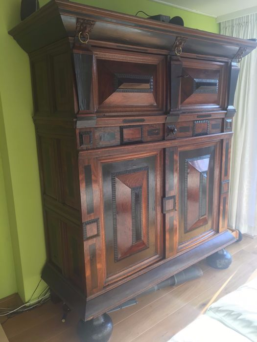 Dutch oak, rosewood and ebony linen cabinet, 17th century
