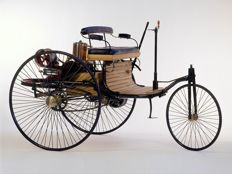 Franklin Mint - Scale1/8 - Mercedes Benz Patent Motor vehicle 1886 - With many 24 carat plated parts - As good as new