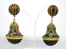 Tiger eye & enamel stone earrings total: 25,00ct.