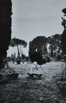 Helmut Newton (1920-2004) - Special Collection - In A Garden Near Rome - 1977
