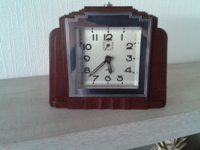 JAZ - Art Deco mechanical JAZ clock in bakelite and chrome