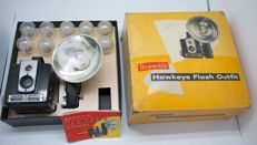 Brownie Hawkeye Flash Outfit in original box (1949)