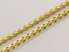 18k Gold. Wheat Chain. Length 50 cm. No reserve price.