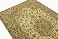 Fine Persian carpet, Kashan, Iran, 3.08 x 1.98 m, cream, hand-knotted, high-quality, new wool, oriental carpet, TOP CONDITION