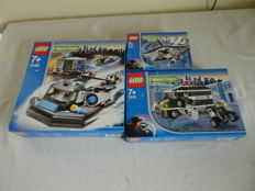 Town - 7031 + 7033 + 7045 - Helicopter + Armored Car Action + Hovercraft Hideout