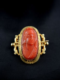 Antique Napoleon III brooch, yellow gold and coral cameo
