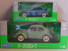 Welly - Scale 1/18-1/24 - Lot with 2 x Volkswagen Beetle - Green / Blue