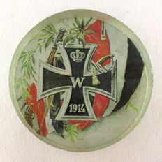 Patriotic paperweight from the 1st World War