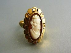 Gold ring with shell cameo