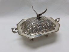 MONTEJO. Octogonal lidded silver dish. Spain. Early 20th century.