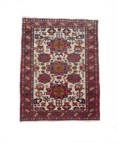 Beautiful Vintage  HAND-KNOTTED  Caucasian Kazakh rug c. 152x116 cm in VERY GOOD CONDITION