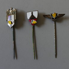 3 pins with manufacturers from the 2. world war German Reich