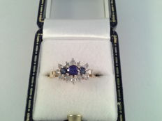 Yellow gold ring with sapphire and diamond, 0.48 ct
