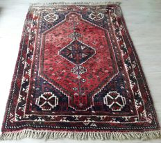 Gorgeous Hand-knotted Persian Shiraz - 163 x 120 (cm)