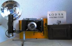 Kodak model BII folding camera and Synchroflash Kodak. Manufactured in France (1958).