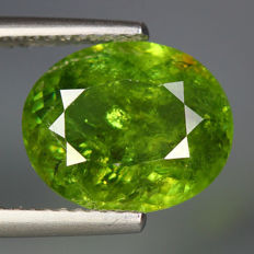 Demantoid garnet  - 4,37 ct