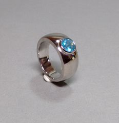 Ring made of 18 kt White gold with topaz - gold smith handwork