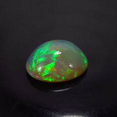 Natural Opal Cabochon - 17.70 x 13.70 x 7.30 mm - 8.18 ct