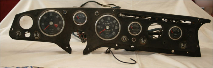 Original dashboard of a Sunbeam Alpin/Tiger, circa 1963