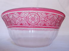 Baccarat pink overlay crystal bowl, Empire pattern, France, circa 1900, registered in the 1916 catalog