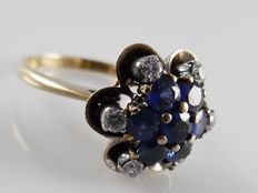 Yellow gold ring with blue sapphires and 6 diamonds