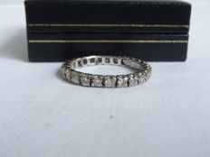 14k gold Uno a Erre infinity ring with diamonds - size 17
